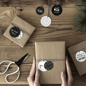 kerstversiering-labels-kerstballen-black-white