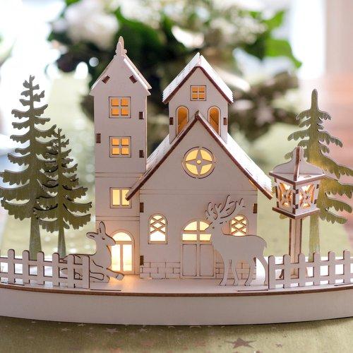 kerstversiering-houten-decoratie-christmas-village-met-licht-2