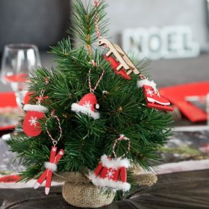 kerstversiering-houten-kerstornamenten-red-white-2