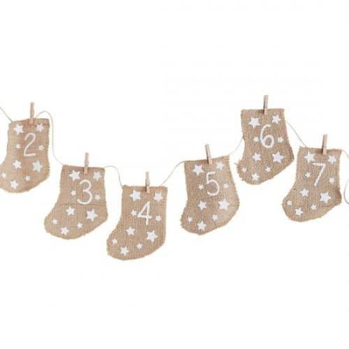 kerstversiering-adventskalender-hessian-stockings-let-it-snow