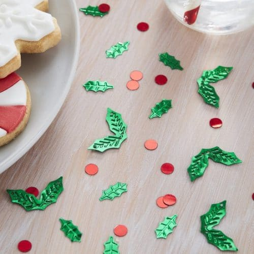 kerstversiering-confetti-holly-shaped-silly-santa