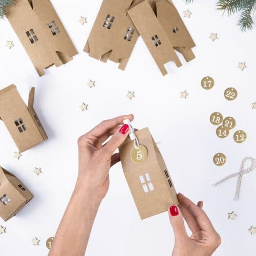 kerstversiering-adventsdoosjes-kit-kraft-houses-natural-christmas-3