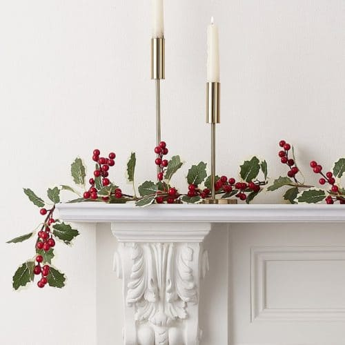 kerstversiering-garland-holly-berries-traditional-touches-2