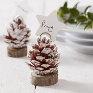 kerstversiering-plaatskaarthouders-pinecone-snow-place-like-home-2