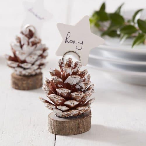 kerstversiering-plaatskaarthouders-pinecone-snow-place-like-home-2
