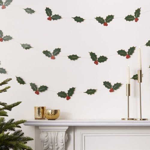 kerstversiering-slinger-holly-leaves-traditional-touches-2