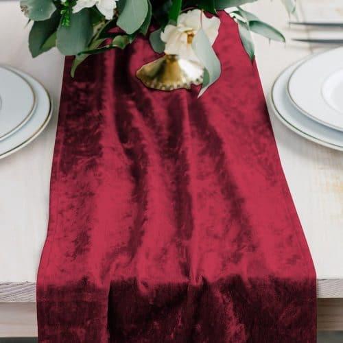 kerstversiering-velvet-tafelloper-ruby-red-2
