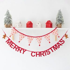 kerstversiering-stoffen-slinger-merry-christmas-rood