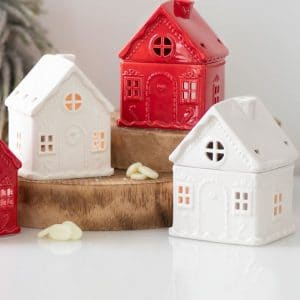kerstversiering-wax-melt-brander-white-christmas-house-with-candy-cane-001