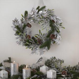 kerstversiering-wreath-silver-foliage-season-for-silver-2