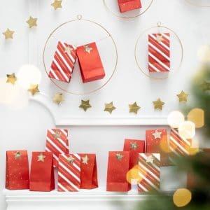 kerstversiering-adventskalender-red-bags (2)